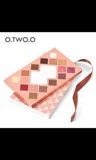 Eyeshadow palet o.two.o