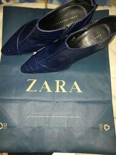 Zara booth