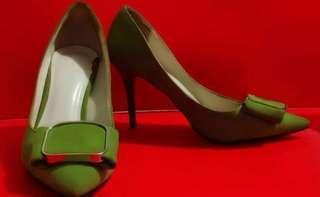 Sepatu highheels