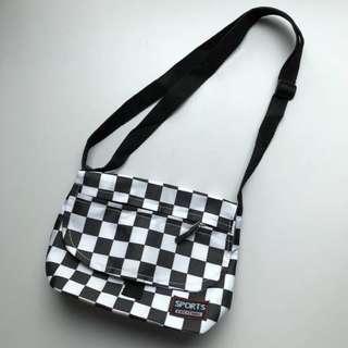 uzzlang checkered sling bag