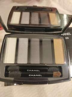 New Chanel 5 shades eye shadows palette with brush and mirror  眼影