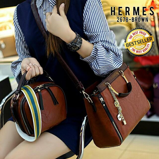 2678 Set Sling Bag* Quality : SemiPremium Size : 30x13x25,  20x9x17 Weigh: 1,2 kg Material Leather