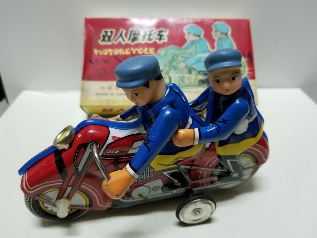 70年代發條鐵皮玩具