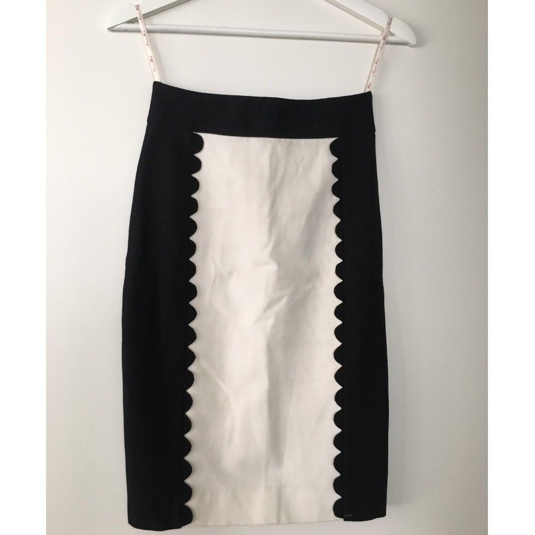 $15 SALE ALANNAH HILL Midi Ponte Pencil Skirt - Sz 6