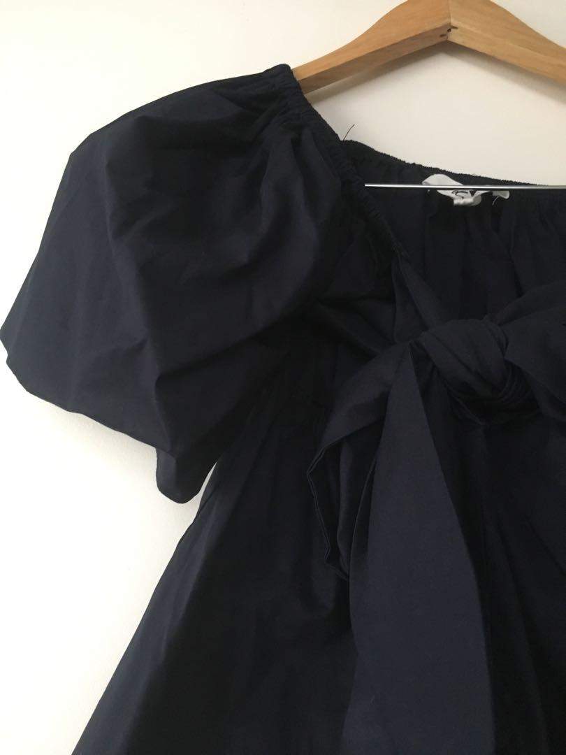 $15 SALE New with tags - Dazie off the shoulder tie front top blouse - Sz 8