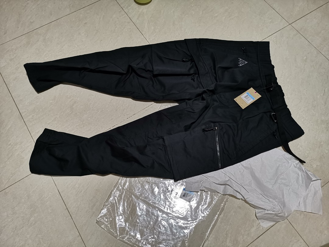462fc3b0b3a73 Nike ACG cargo pants SS19, Men's Fashion, Clothes, Bottoms on Carousell