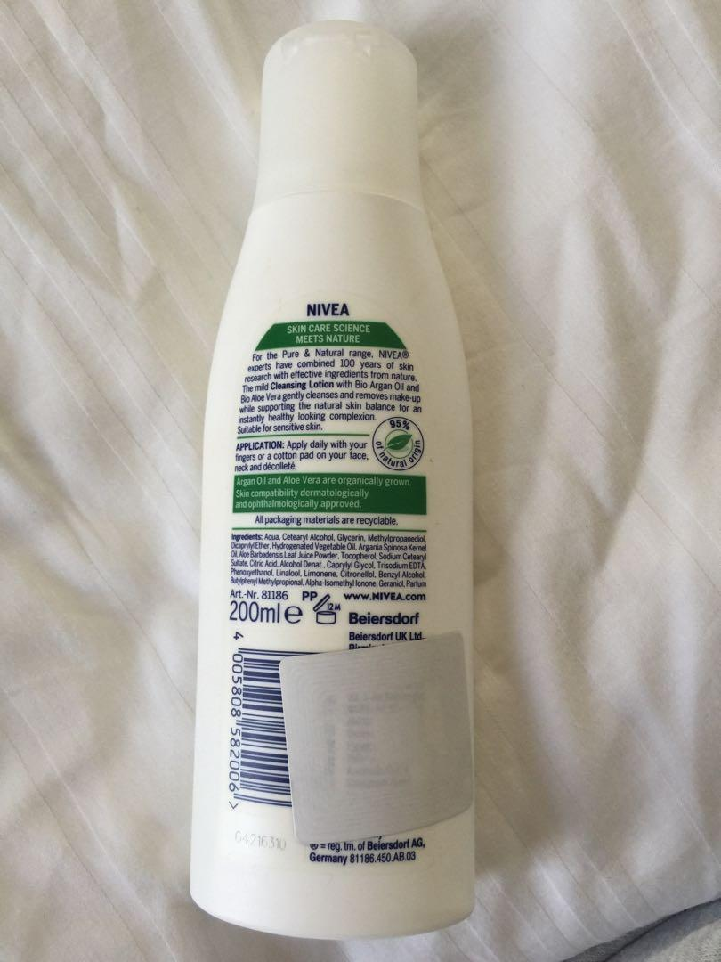 Nivea pure & natural cleansing lotion 200ml - used once
