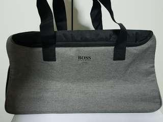 🚚 Hugo Boss Bag