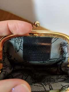 🚚 Vivienne Westwood 格紋珠扣零錢包