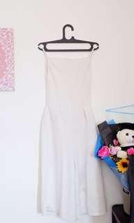 White jumpsuit putih