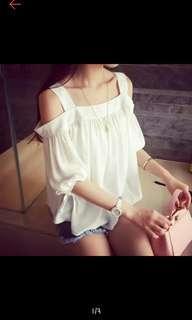 🚚 #半價衣服拍賣會 全新 一字領上衣 白色