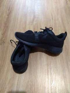 Nike total breathe mesh sneaker