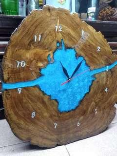 Jam dinding kayu jati resin / Wood slice resin clock.