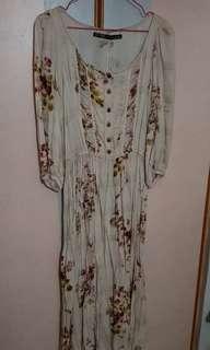 🚚 Zara Vintage Floral Midi Dress
