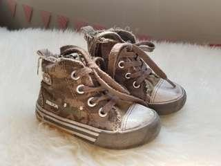Mexx sneakers  size 18 to 24 months .  Zippers at the side . Shoelaces for looks.  Free!Only because zipper slides up and down but doesnt grip teeth.  It does however holds tight at the top.   would hate to waste a perfectly good pair