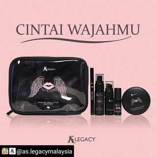 🚚 💋 FLY & KISS MAKEUP SET By As Legacy 💋