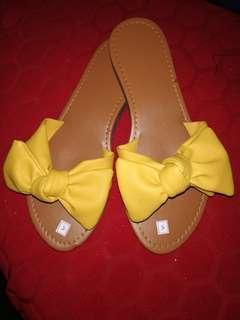 Yellow sandal size5
