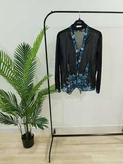 Gorgeous and Classic Traditional Kebaya Top