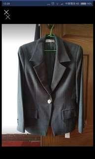 9成新西裝外套