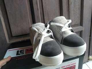 #maudompet Sepatu Wanita Java Seven