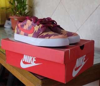 Nike Toki Low Txt Print Crimson (Rare Item)!
