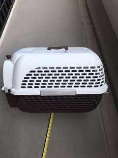 🚚 Hand carry compartment to transport pets