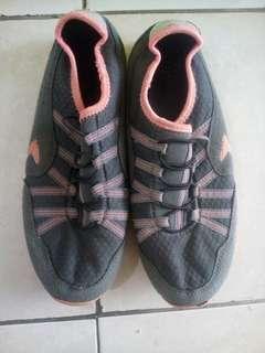 sepatu sz 37