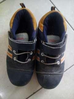 sepatu anak sz 28