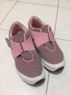 Women Sneakers power pink, sepatu sneakers, sepatu olahraga cewek, sepatu olahraga wanita, sepatu sport wanita