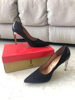🚚 Brand new Vizzano heel 🔥 UP 156