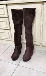 🚚 深咖啡色 麂皮膝上靴