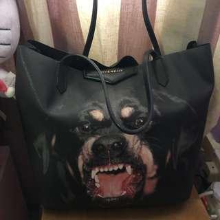 🚚 Authentic Givenchy antigona tote bag