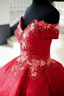 Red Gown for Sale ✔✔✔ (Price still negotiable)