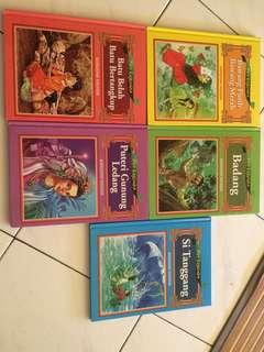 Clearing cabinet. Children books for sale. Rm 10 per pcs