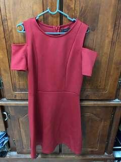 Red cold shoulder niichi dress
