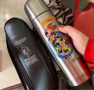 Thermos shell helix power puff girl Johnny bravo Dexter laboratory