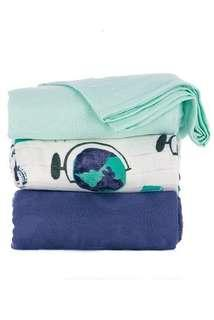 🚚 Tula blanket Wanderlust ~ solid colours only