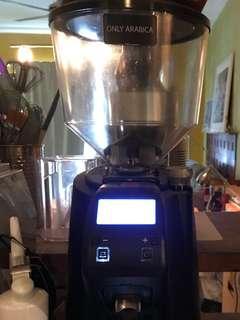 Coffee Grinder: Eureka Zenith Club E black