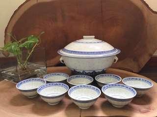 Vintage Blue & White Rice Grain porcelain bowls and Tureen 米通炖盅和8个小碗