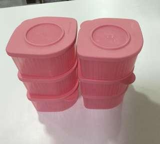 🚚 Tupperware storage