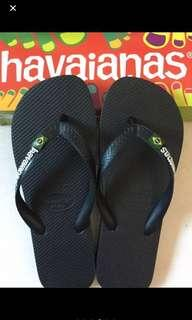 Brand New Havaianas Slippers for Unisex in Black with Brazil Flag