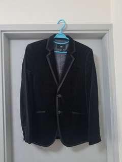 H&M:黑色絲絨西裝褸,44號