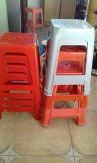 🚚 Plastic Chairs