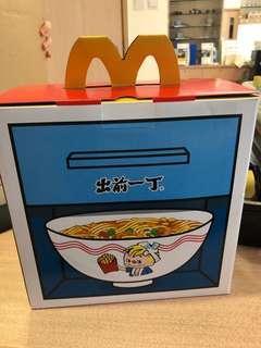 「麥當勞X出前一丁」主題陶瓷碗碟套裝