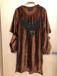 🚚 降價新款咖啡色細絨割破蕾絲袖洋裝