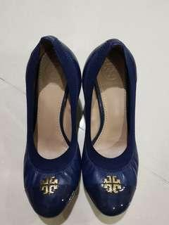 🚚 Tory Burch wedges size 5. No box. No dustbag