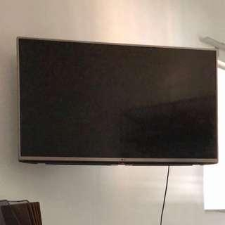 LG TV 43 inch Rarely used. 9.5/10