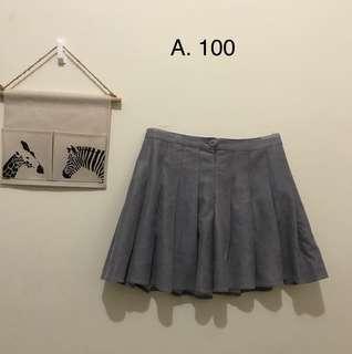 🚚 灰色半身裙