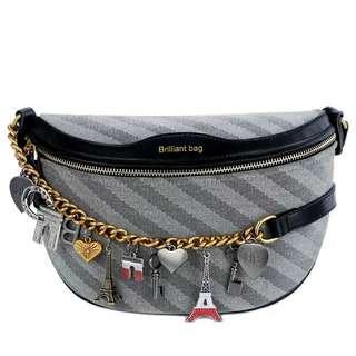 🚚 charm sling bag