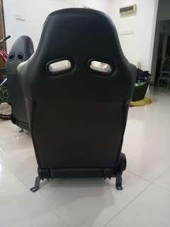 Sports car seat